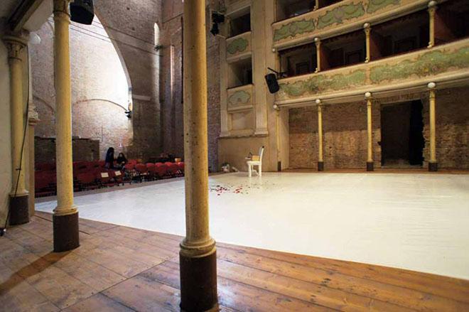 L'interno del Teatro Sociale di Gualtieri