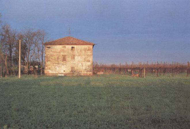 Immagine di una casa di campagna
