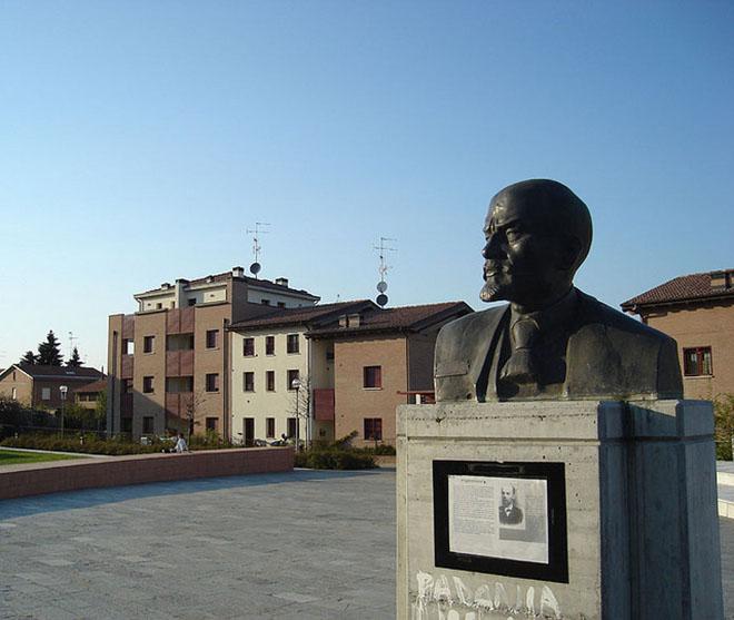 Piazza Lenin a Cavriago (Reggio Emilia)