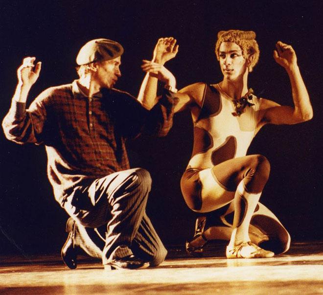 """Rudolf Nureyev e Kader Belarbi alle prove del balletto """"Apres-midi d'un faune"""""""